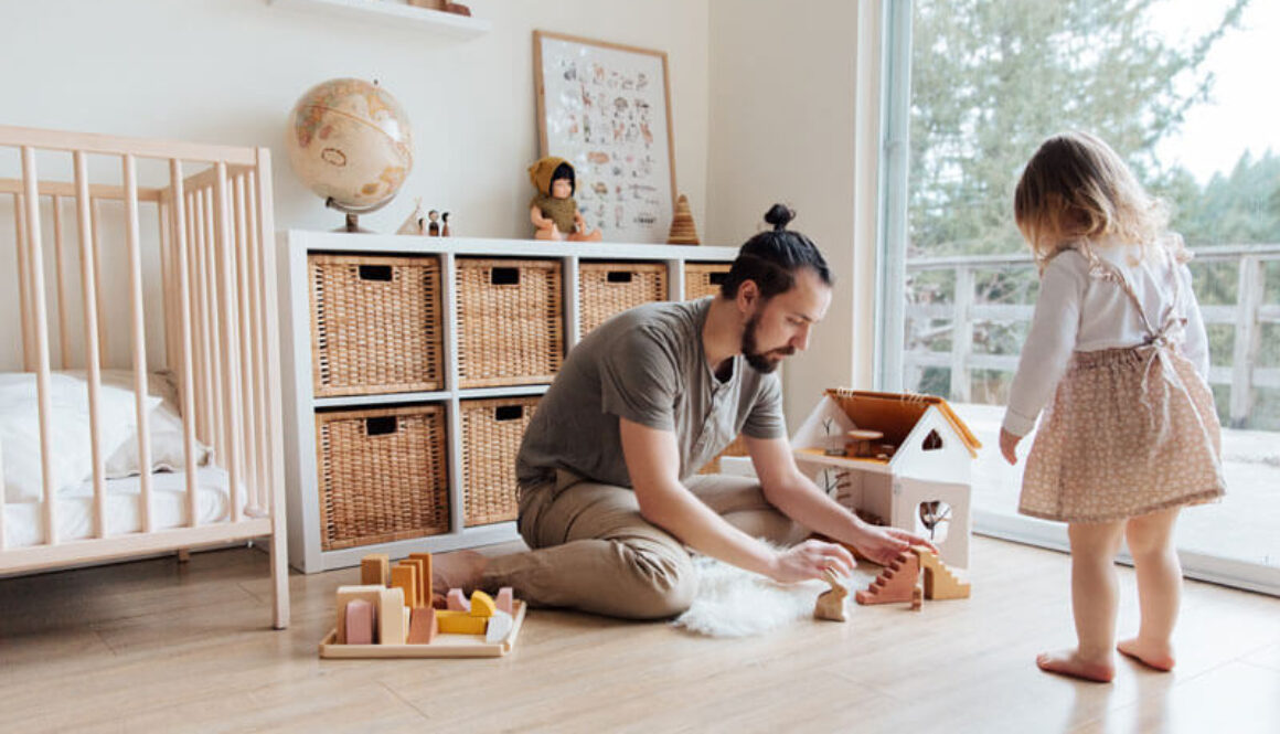 photo-of-man-playing-with-child-3933091 (1)
